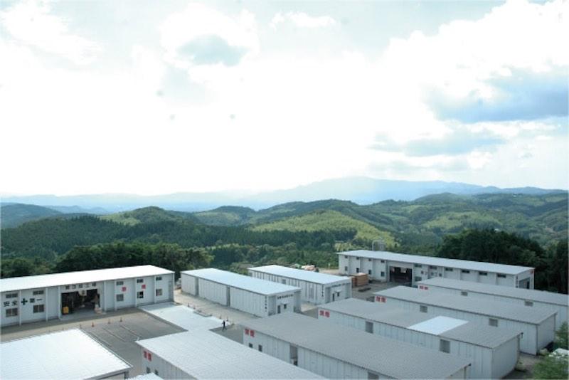 煙突一つない音響熟成木材が保管されている薩摩工場