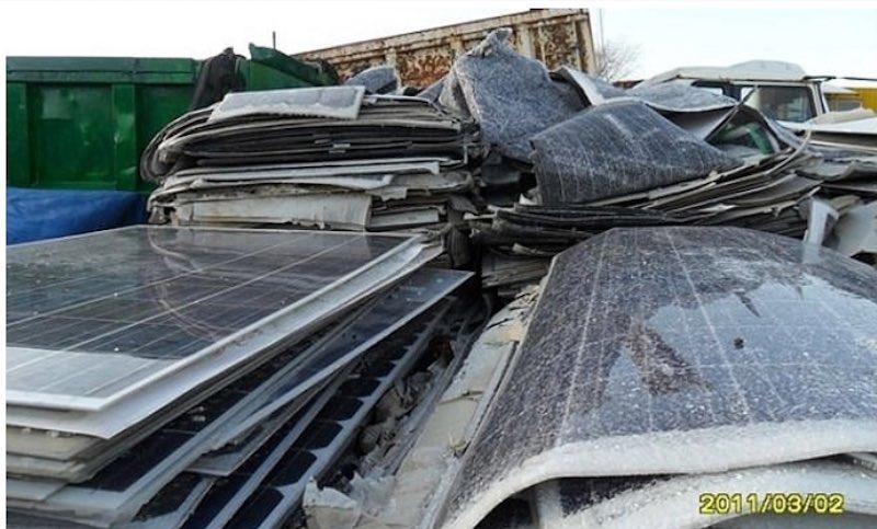 【危険を承知で推進中!】資源エネ庁が原発メーカー三菱に調べさせた太陽電池モジュール廃棄物の危険性