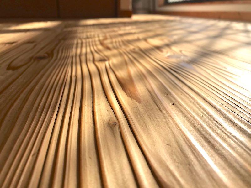 10年が経過した空気がうまい家の床