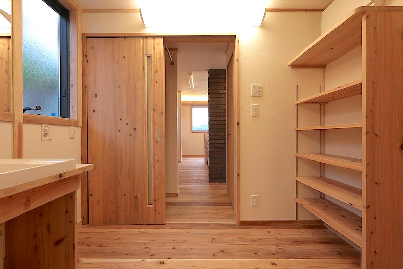 空気がうまい家®︎に使用している引き戸