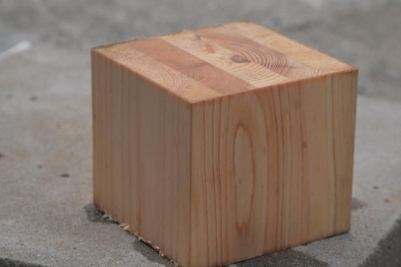 集成材・木が貼り合わせてあるのが分かります