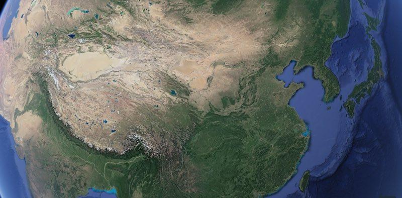 こうして見ると日本は木の国とも言えそう(Google-Earthより)