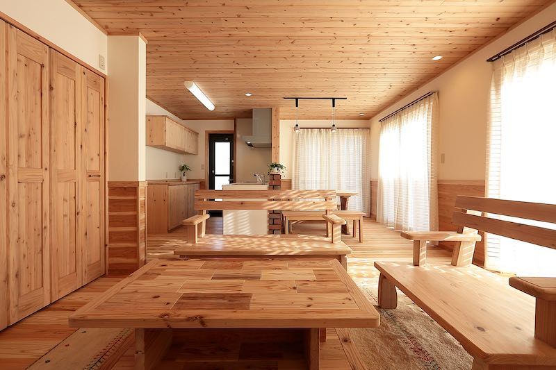 山小屋のようにしたいとのご希望の空気がうまい家