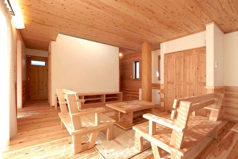 幻の漆喰を壁面に塗った空気がうまい家®︎