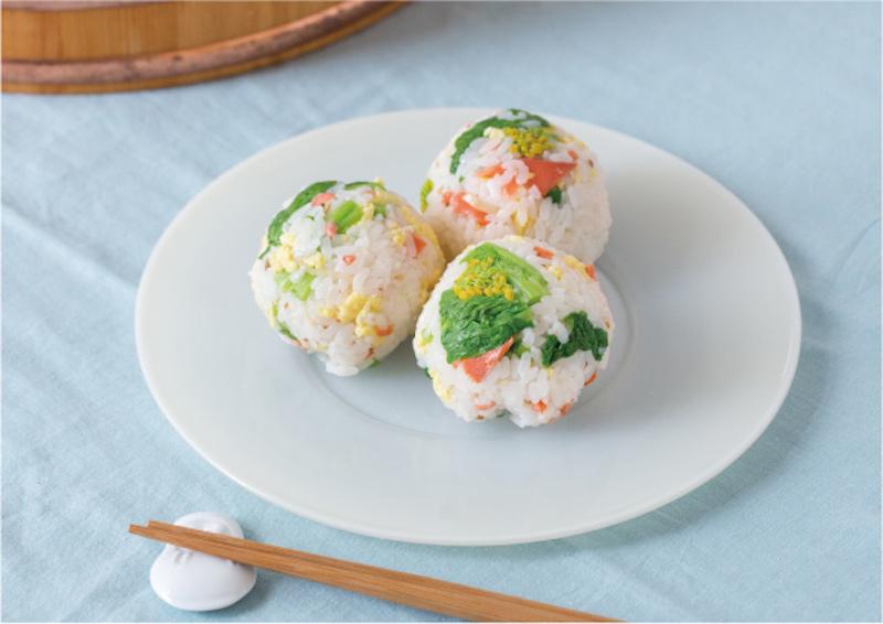 母屋の食卓 http://www.e-kaiken.com/omoya/syokutaku/03.phpより