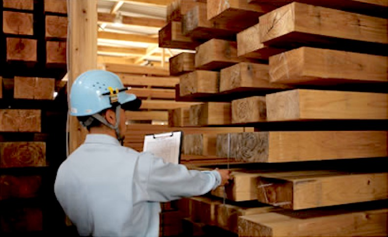 空気がうまい家®︎に使用する音響熟成®︎木材(音楽を聴かせながら常温でゆっくり乾燥)
