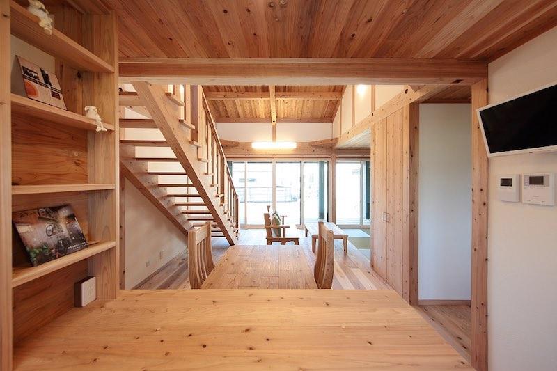 空気がうまい家®︎のスケルトン階段