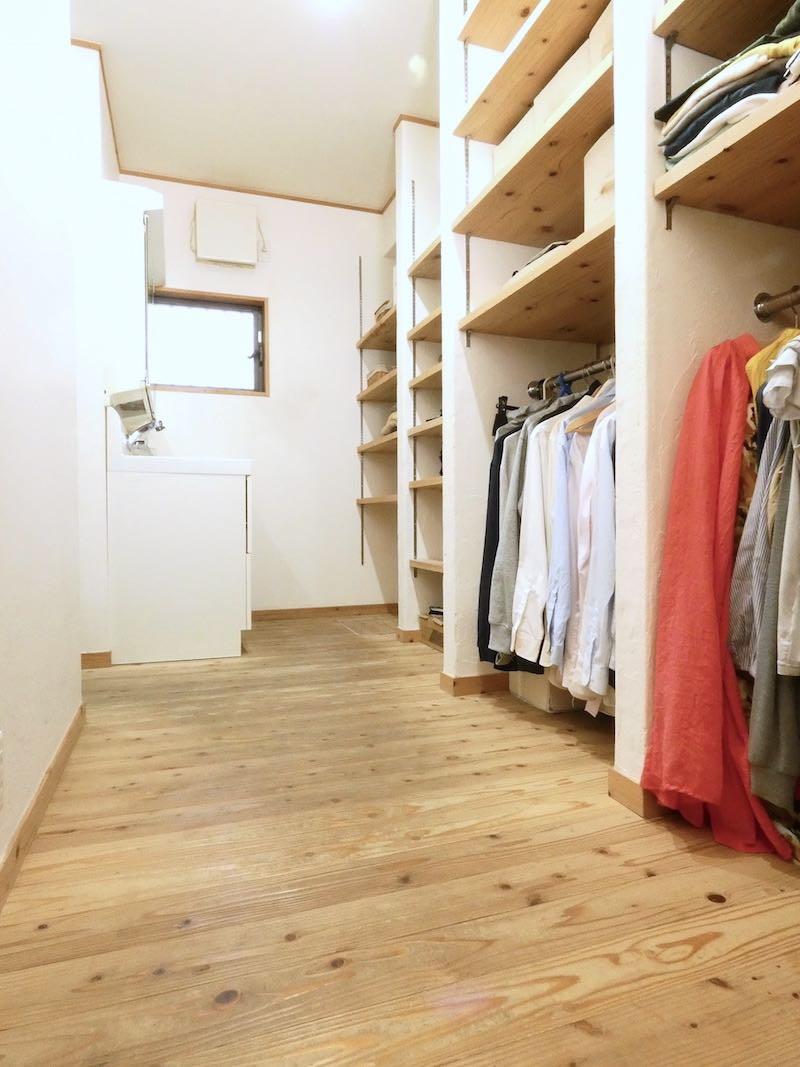 家族全員の衣類が収納できる(空気がうまい家®︎仕様のリノベーション・京都府・宇治市)