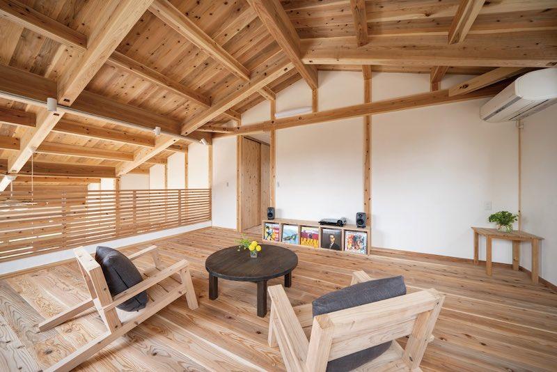 空気がうまい家®︎に使用している無垢フローリング(塗装・コーティングは禁止)