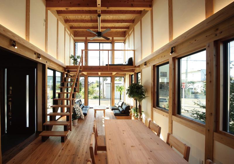 室内の日射は柔らかな印象(空気がうまい家®︎)