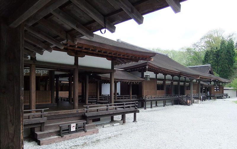 小学校の歴史でも勉強する寝殿造(外側に廊下があるのも特徴)